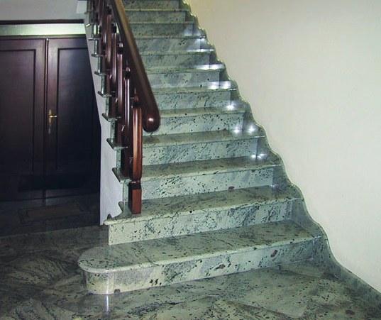 Лестница из гранита в Москве