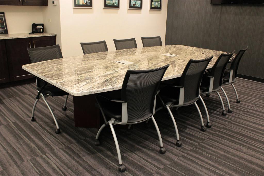 Конференц стол для переговоров заседаний и совещаний